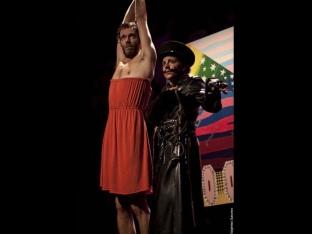 The Breasts of Tiresias d'après Guillaume Apollinaire, mise en scène: Eric Wallach, avec Madeleine Besson, Astrid Bayiha, Émilie Chevrillon, Sébastien Vion et Thomas Dalle